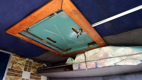 fiat ducato equipada para camping con camas y  baño