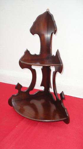 fina repisa esquinera victoriana antigua tallada veala