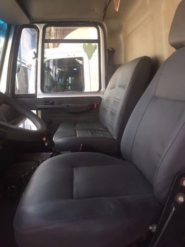 ford cargo 1317 e ano 2010 no chassi