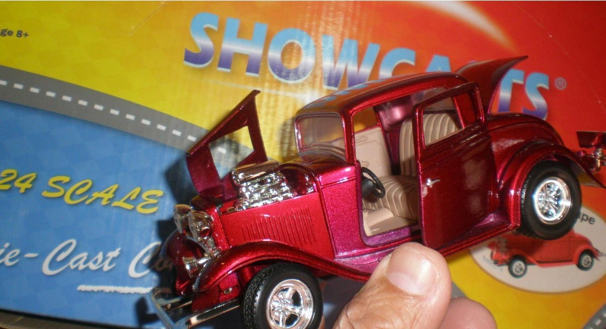 Ford Coupe 1932 Showcasts 1:24 Queda Sólo Color Bordeaux ...