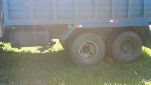 ford ford7000 1995