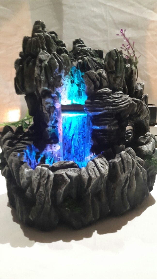 Fuente De Agua Con Luz - $ 650,00 en Mercado Libre