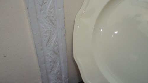 fuente inglesa antigua para torta color marfil mirala