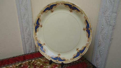 fuente inglesa antigua redonda diseño en guarda linda mirala