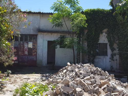 galpón con habitaciones a reparar