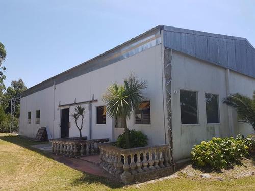 galpon industrial de 420 m2 2baños 2 vestuarios, oficinas