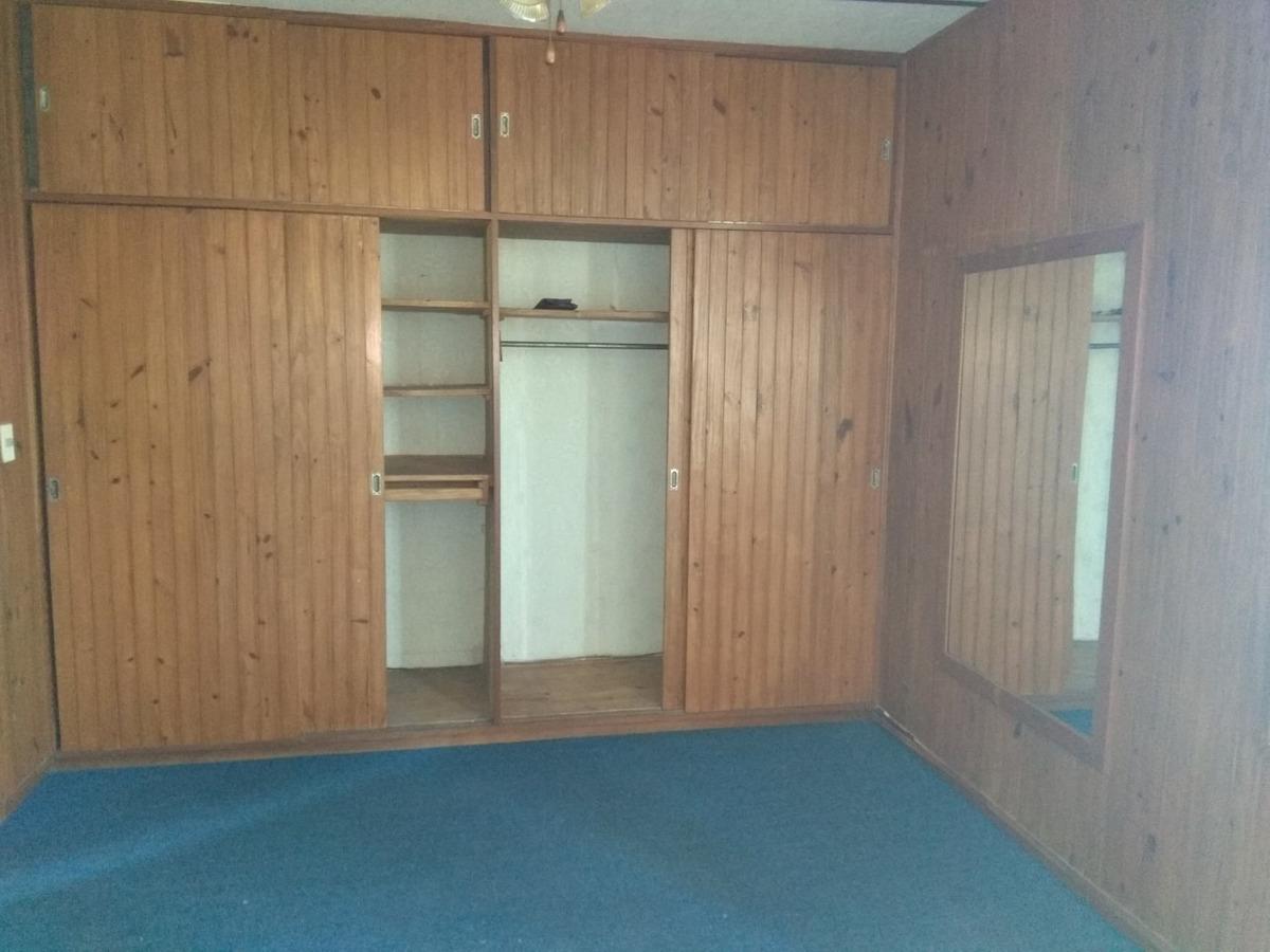 galpón o deposito con oficinas y casa de dos dormitorios