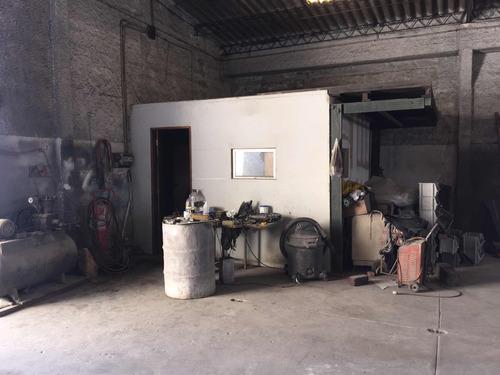 galpón,ideal taller o depósito a metros de propios