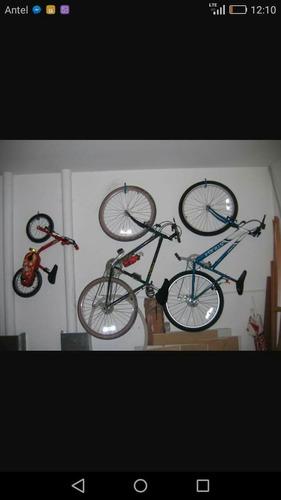 gancho soporte de acero para bicicleta.