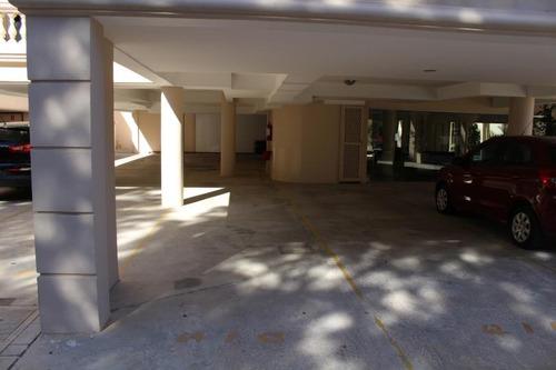 garaje en apto de categoría
