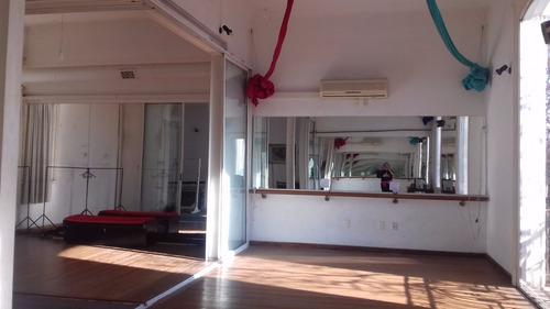 gimnacios  y  espacios para  distintas diciplinas y oficinas