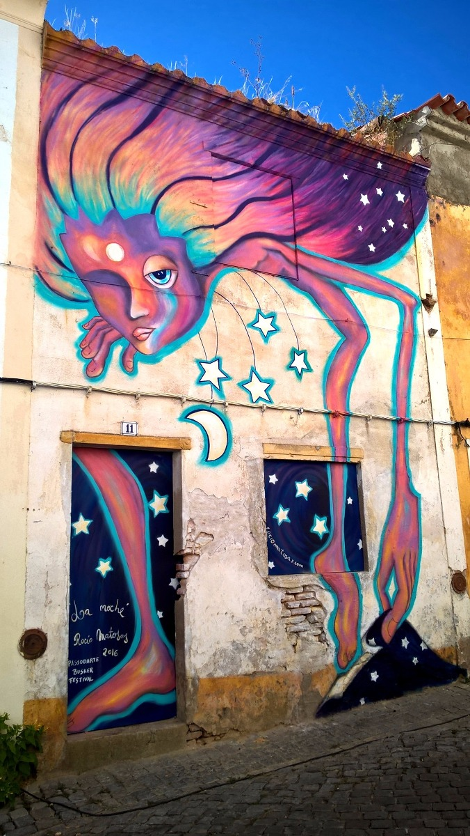Graffitis murales arte urbano pintados a mano en - Murales infantiles pintados a mano ...