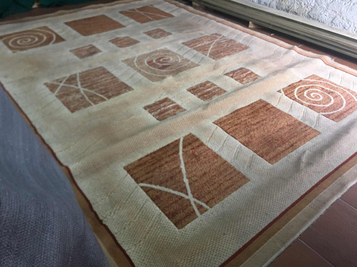 gran alfombra 2 metros con 40 ancho  3 metros 26 cm largo