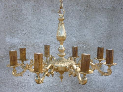 gran araña antigua en bronce macizo, 8 luces. restaurada