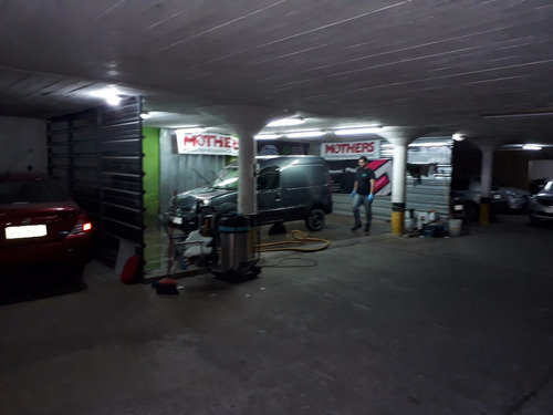 gran garage en pleno centro de colonia  57 cocheras