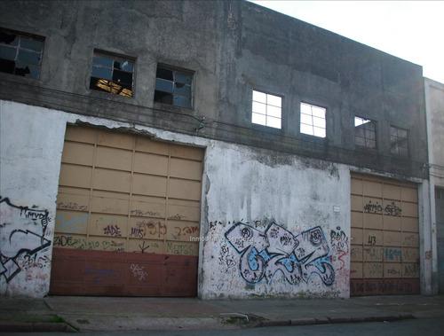 gran local comercial e industrial, aprox 2000 m2.