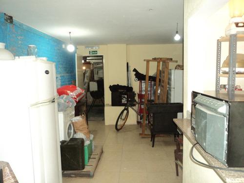 gran local con apartamento de 1 dormitorio y oficina