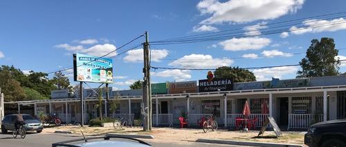 gran local!! paseo de compras solymar giannattasio y uruguay