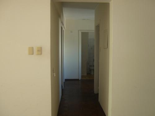 gran oportunidad en pleno centro, dos dormitorios!!