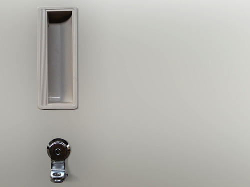 guardarropas metalico de 8 puertas mini petra