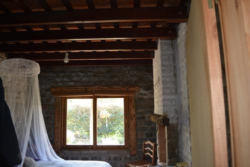 hermosa casa bien hecha, muy agradable y acojedora