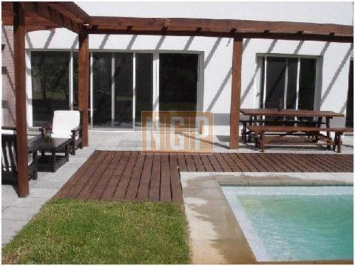 hermosa casa con pileta - ref: 21230