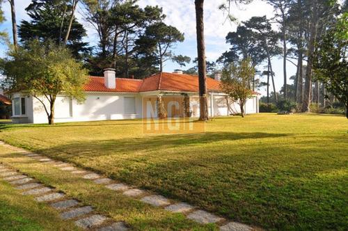 hermosa casa con todo el confort - ref: 18670