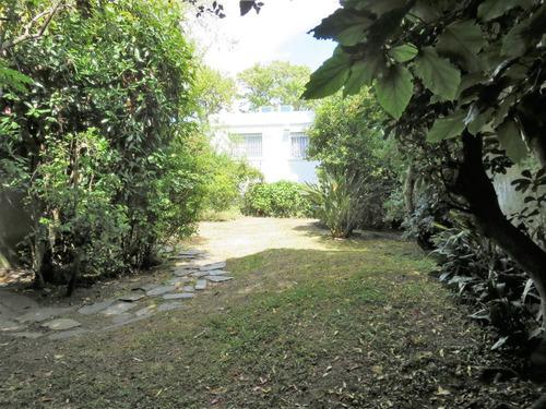 hermosa casa en una planta sobre av. san marino. oportunidad