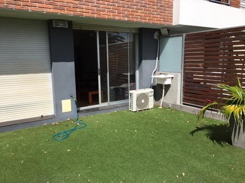 hermosa propiedad con patio exclusivo!