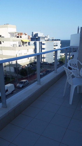hermoso apto a mts del mar con gran terraza en peninsula