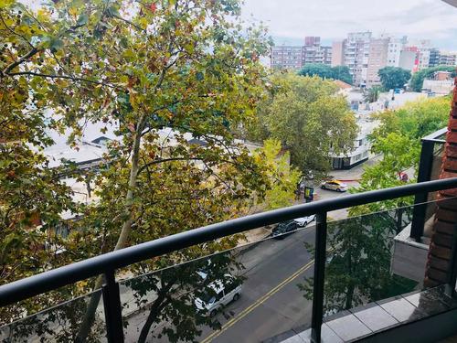 hermoso apto amueblado en pocitos, garaje y balcón!!!