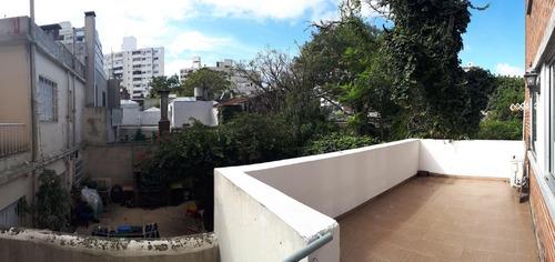 hermoso apto en excelente zona, dos dorm y terraza!