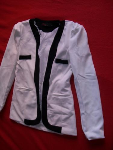 hermoso blazer combinado blanco y negro talle m - l  (nuevo)