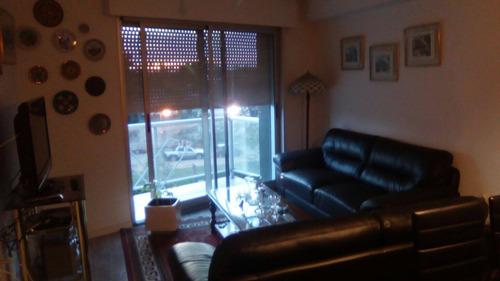 hermoso e impecable apto, un dormitorio buena locomoción!!