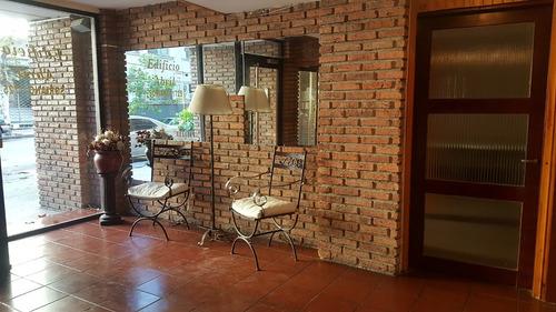 hermoso y cómodo apartamento próximo a rambla y parque rodo