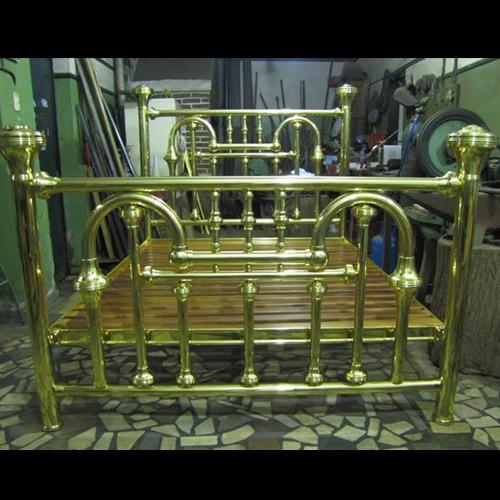 herrería, hierros forjados, bronces, repujados de metales
