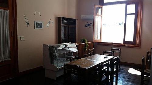 hostel. con propiedad! 100 camas y funcionando!