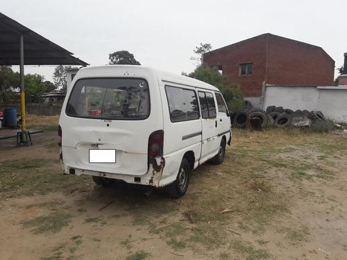 hyundai h100 2.5 minibus con detalles liquido