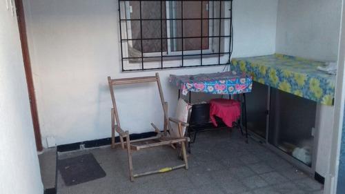 impecable 1 dorm, patio y bajos gastos comunes, centro!!