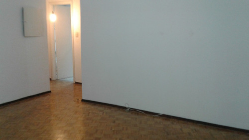 impecable 2 dormitorios, en centro!!
