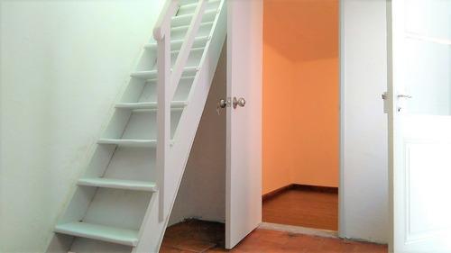 impecable apto 2 dormitorios, centro, sin gastos comunes!!