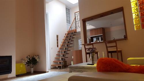 impecable casa de estilo reciclada 4 dormitorios
