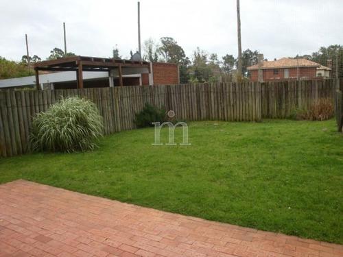 impecable casa en jardines de carrasco