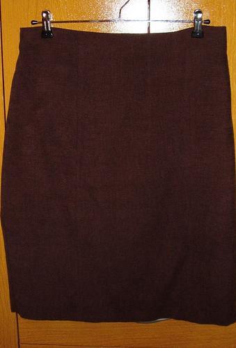 impecable conjunto chaqueta y pollera en pana