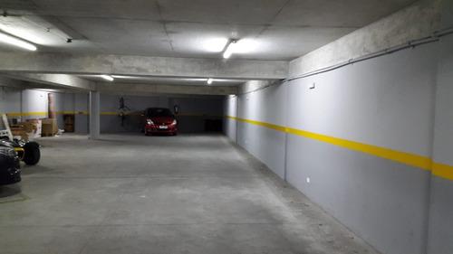 impecable monoambiente c/garage a pasos de la rambla