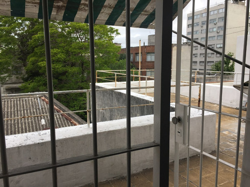 imperdible, 1 dormitorio, terraza independiente, tres cruces