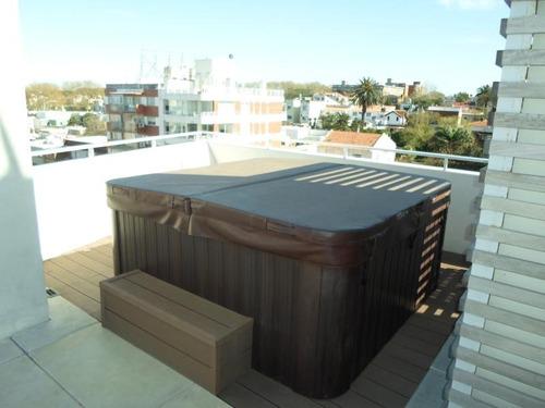 imperdible! con balcón a la rambla y cochera. gc $7.000