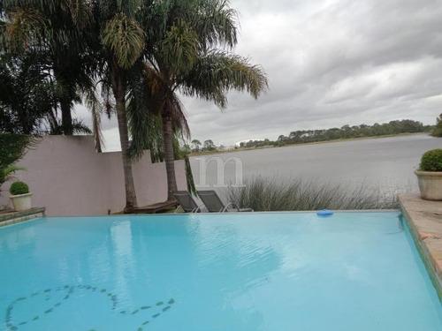inmejorable casa con fondo al lago