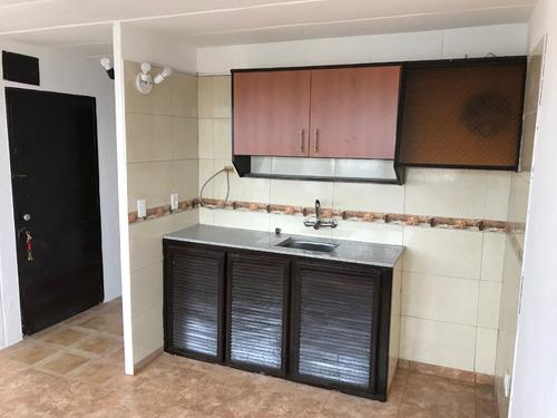 inmobiliaria alquila apartamento en complejo millan y lecocq