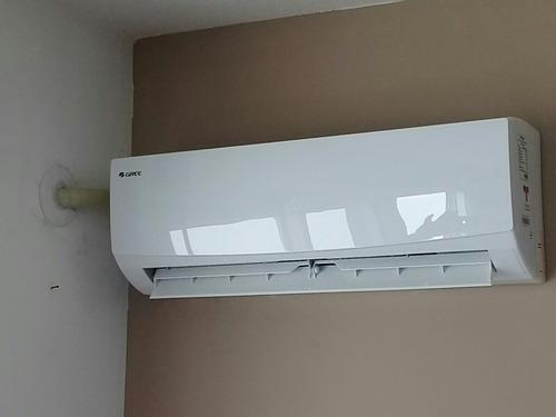 instalador  de aire acondicionado en el dia